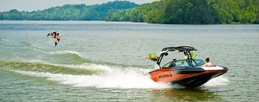 wakeboard and waterski boats