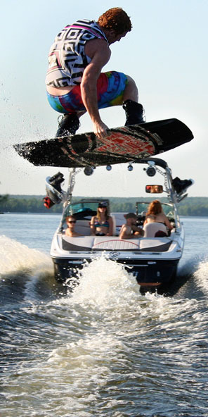 Wakeboarding Waterskiing Boats