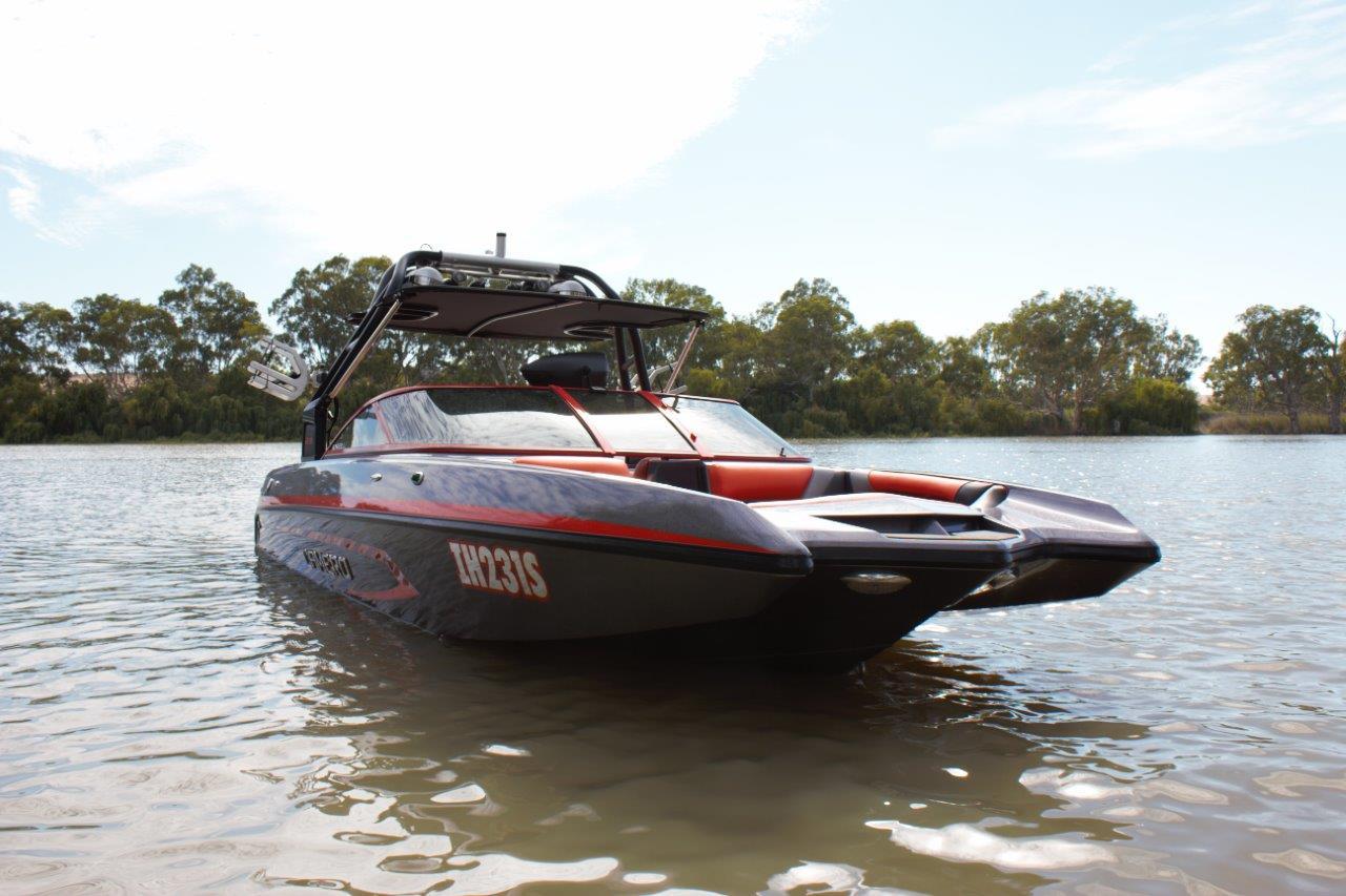 Camero Ski Boat CRX 22c